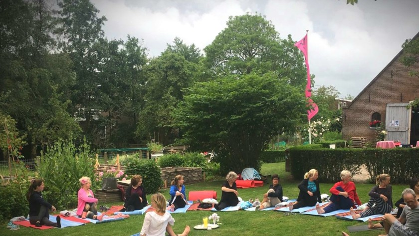 Yoga in de tuin 25 juni